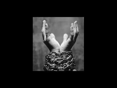 چه کنیم نفس، ما را به آسانی به گناه نکشاند؟