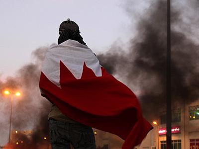 سرودۀ شاعر جوان در حمایت از مردم انقلابی بحرین