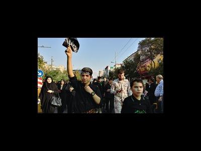 جاماندگان از کربلای حسینی به سوی حرم سیدالکریم حرکت کردند