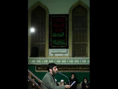 متن اشعار خوانده شده توسط سلحشور در شب اول عزاداری حسینیه امام خمینی(ره)+عکس
