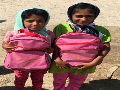 ادامه توزیع لوازمالتحریر در مناطق محروم استان سیستان و بلوچستان