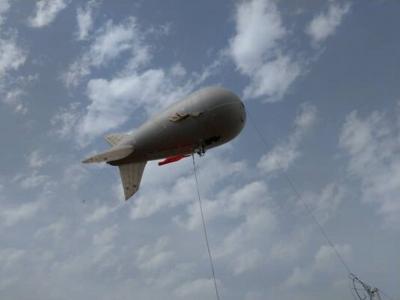 استفاده از بالن ارتباطی در مناطق پر ازدحام برای زائران اربعین