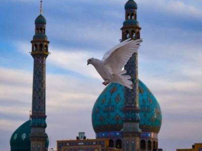 صحنها رواقهای مسجد جمکران ضدعفونی شد