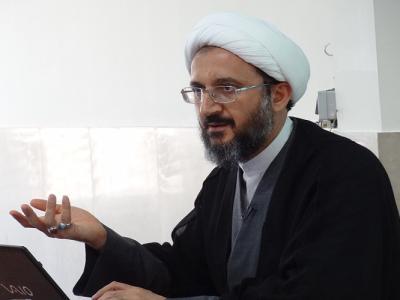 احمدحسین شریفی؛ درسی که باید از علامه حسنزاده آملی بیاموزیم.