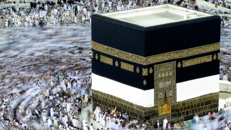 رجزخوانی حضرت عباس(ع) بر بام کعبه؛ «تا وقتی من زندهام چگونه کشتن حسین ممکن است؟»