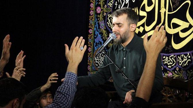 برنامه مرثیهخوانی محمدحسین پویانفر در پیادهروی اربعین