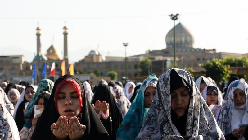 نماز ظهر اربعین در ضلعهای مختلف حرم عبدالعظیم(ع) اقامه میشود
