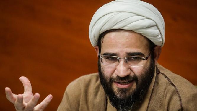 باباخانی؛ چرا ستاد کرونا به توصیه سال قبل رهبر انقلاب درباره ماه رمضان عمل نمیکند؟